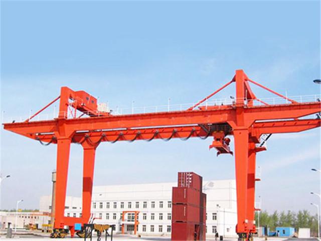 Automated rail mounted gantry crane