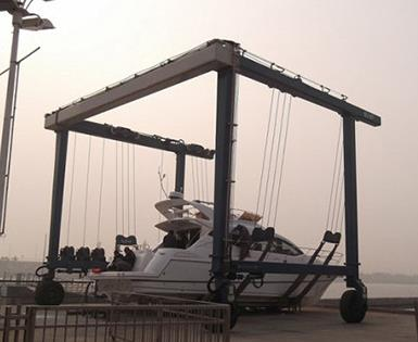 What is a Marine Travel Lift